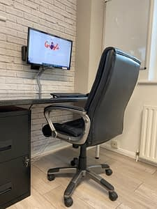 How to setup your home office to help with back pain